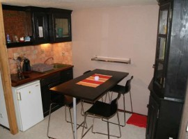 1 bed sold furnished