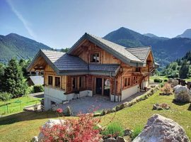 Immaculate chalet