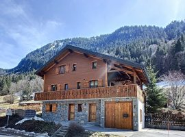 Spacious chalet with views